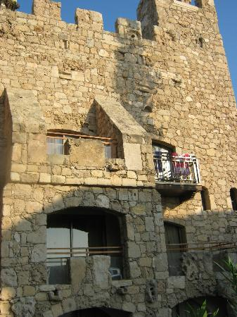 Roman Boutique Hotel: like a castle
