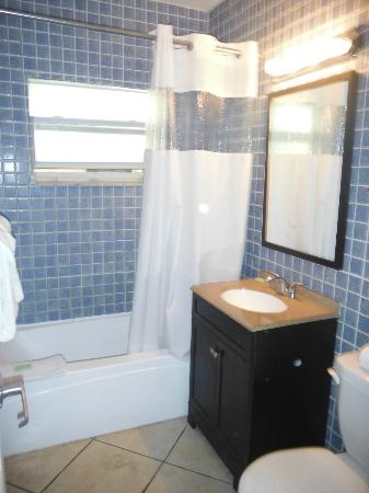 Suites on South Beach Miami: salle de bain