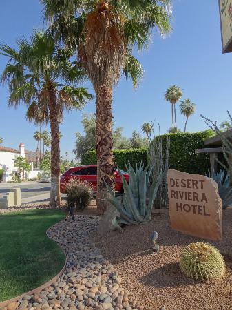 Desert Riviera Hotel: Aussenanlage vom Desert Riviera