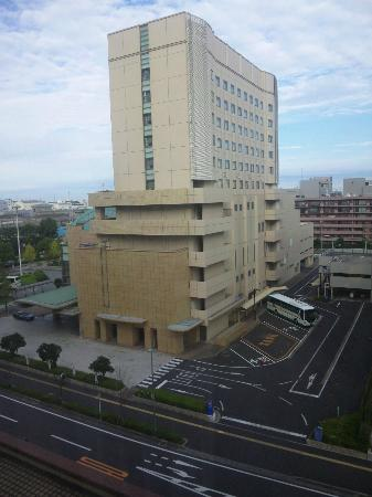 Hotel Port Plaza Chiba: hotel-out
