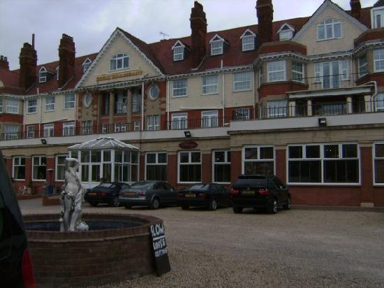 The Royal Hotel: front of the hotel