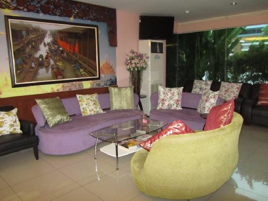 Vista Residence Bangkok: Lounge area