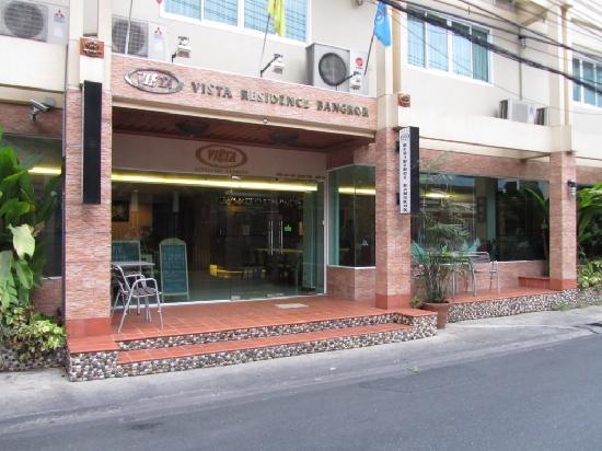 Vista Residence Bangkok: Hotel entrance