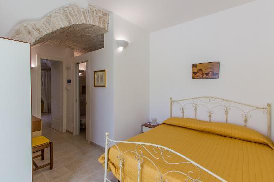 L'Antica Marina : camera da letto matrimoinale Melograno - Limone