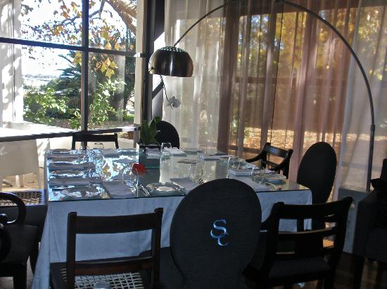Cuvée Restaurant at Simonsig: Beautiful decor