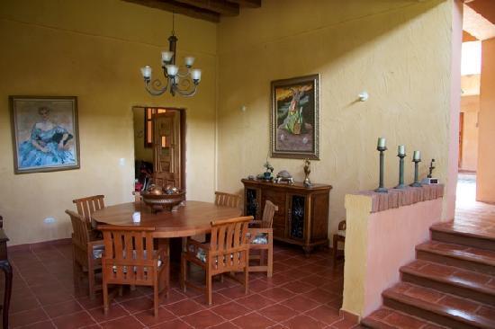 La Villa de Soledad B&B: dining room