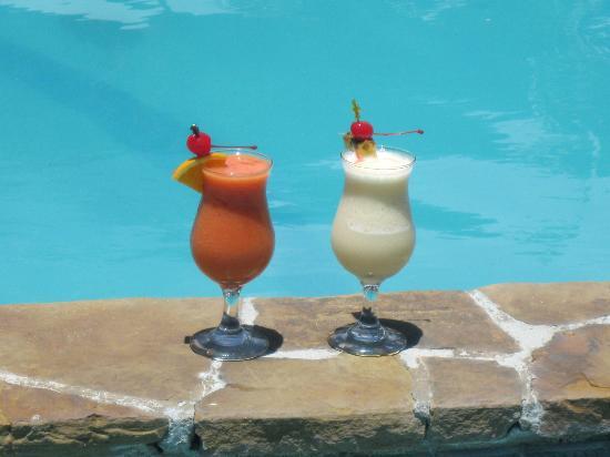 The Village Cafe: Strawberry Daquari and Banana Colada