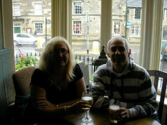 Castle Inn Bakewell: Dry on the inside, wet on the outside