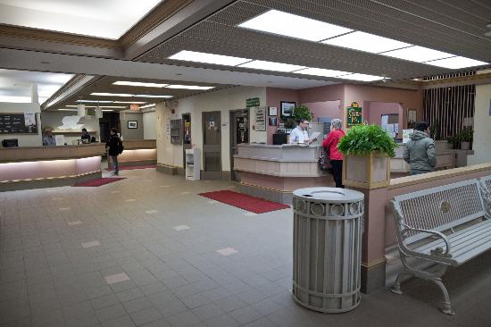 The Station Inn : Station Inn, lobby in train station.