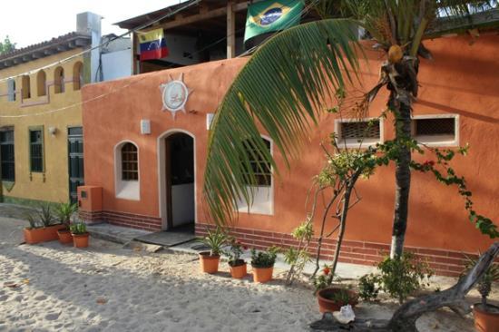 Pousada Sol y Luna: Facade of Hotel