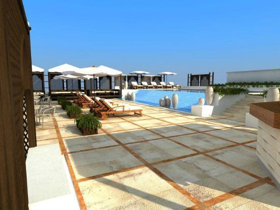 Coral Martini Hotel : Upper Floor Swimming Pool