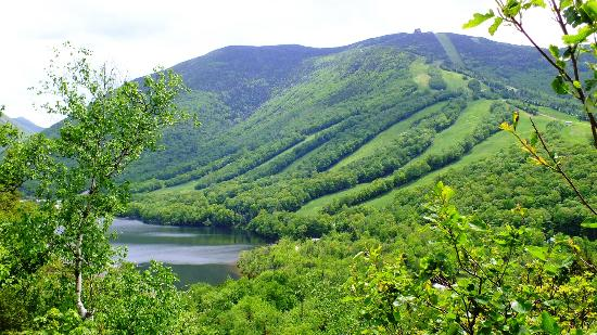 Franconia, Nueva Hampshire: view from Artists Bluff looking at Echo Lake