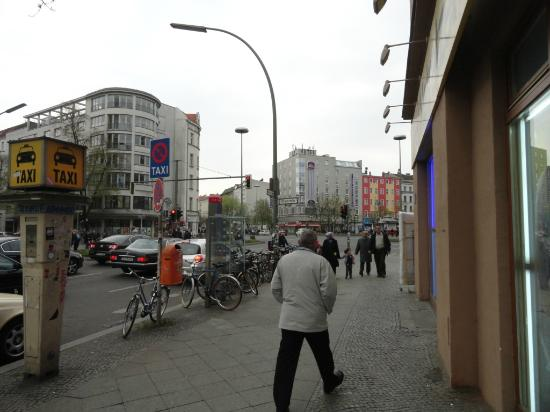 Days Inn Berlin City South: You can see the hotel in the photo