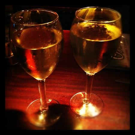 Pappadeaux Seafood Kitchen: Chardonnay for two
