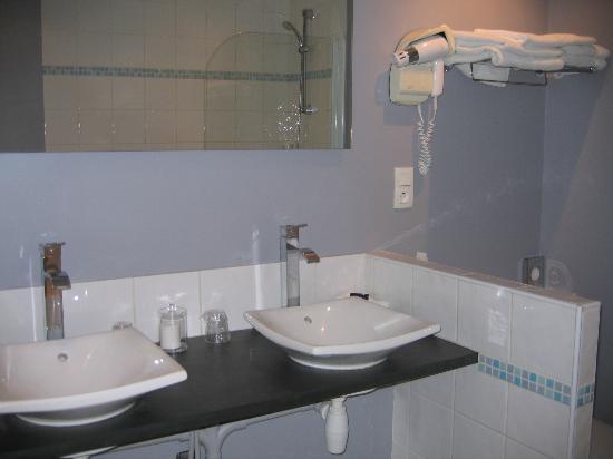 Auberge du Forgeron: Salle de bain