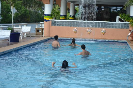 """Punta Riviera Resort: the pool and the """"floating bar"""" which didn't seem to be operating.."""