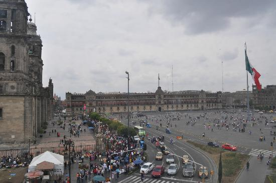 Zocalo Central: View of Zócalo from our room