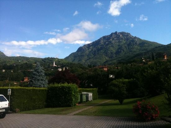 Hotel Merloni: The view from the main yard.