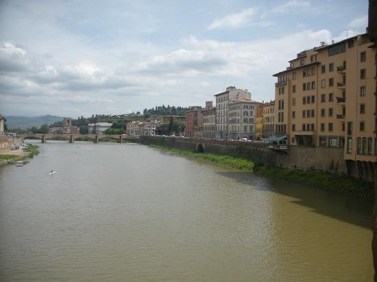 Hotel Europa: Arno River in Florence