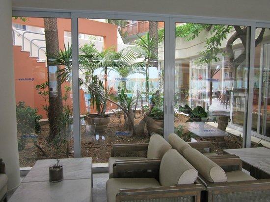 Minos Hotel: Hotel Lounge