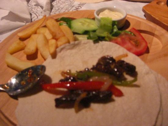 Pieros Restaurant - Bar: spicy beef