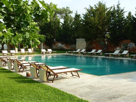 Masseria Montelauro : The pool