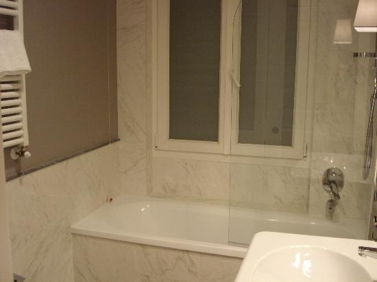Rapallo Hotel: con bañera