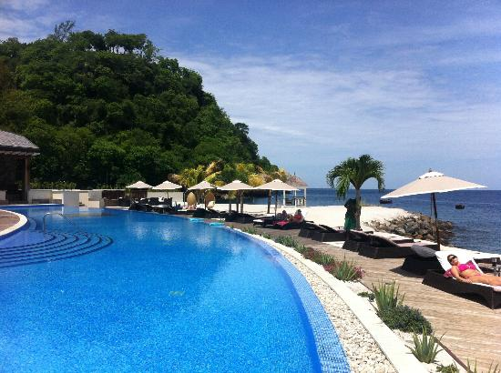 Buccament Bay Resort : By the pool!