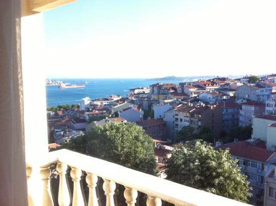 La Maison Hotel: sea view