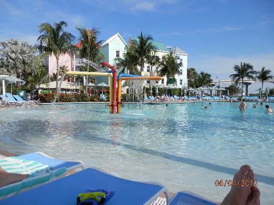 Atlantis Harborside Pool Picture Of Atlantis