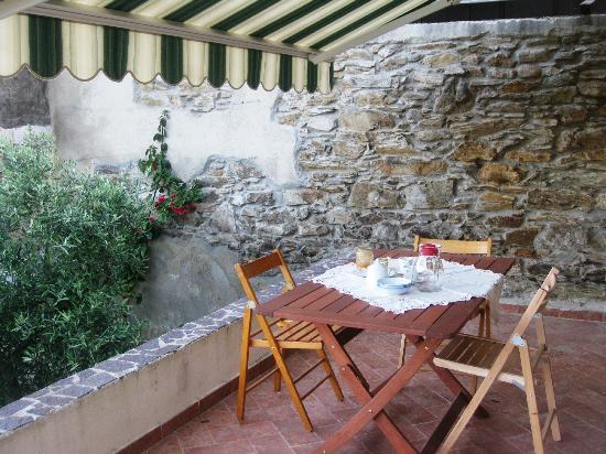 B&B Sa Babaiola: veranda