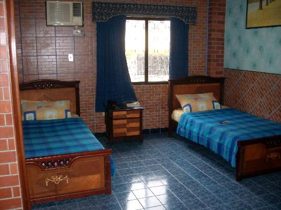 Hostal Suites Madrid: habitación2
