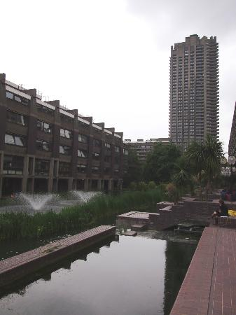 ‪Barbican Gallery‬