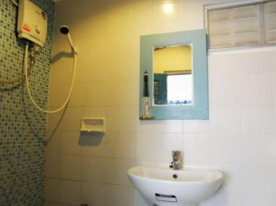 Kinnaree House: ensuite 1