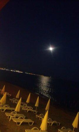 Panorama Hotel: Strand på kvelden