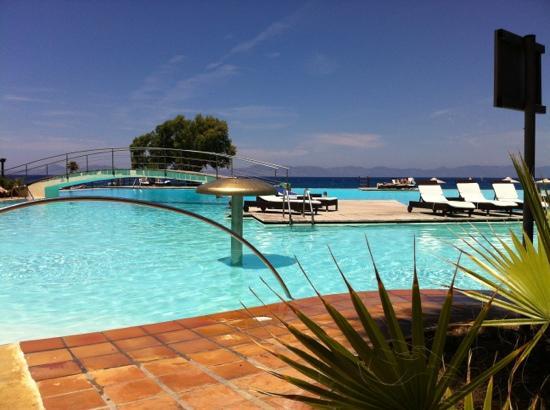 piscine d eau sal e bild fr n sunprime miramare beach rhodos tripadvisor. Black Bedroom Furniture Sets. Home Design Ideas