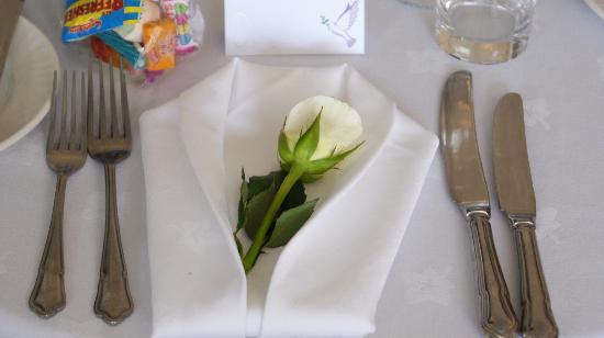 Berties Restaurant & Bar: Loved this look! Signiture napkins of Berties.