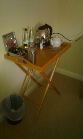 The General Tarleton Inn: Does this belong in a '5 star luxuriously appointed' room or is it a cheap trestle table?