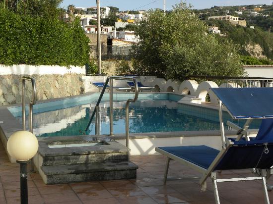Hotel Citara : piscina esterna sul terrazzo
