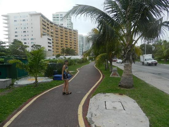 Avenida Kukulkan: recorriendo todos lo hoteles divinos que hay en cancun