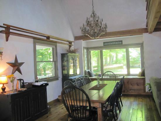 Cottonwood Inn: Table