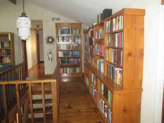 Cottonwood Inn: Christian books