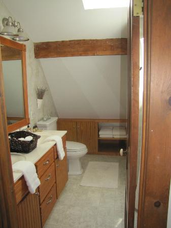 Cottonwood Inn: Bathroom