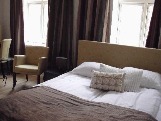 Basic Hotel Bergen: Sleeping area.