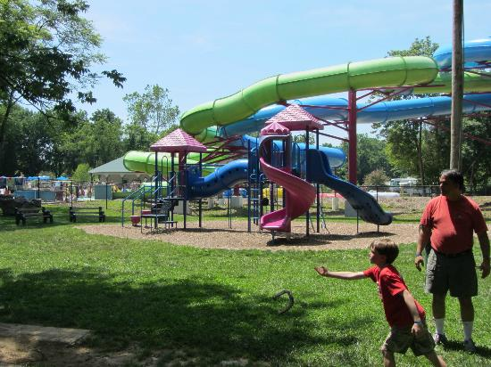 Yogi Bear's Jellystone Park Camp-Resort  Hagerstown: Horseshoes, with playground and watersides in background