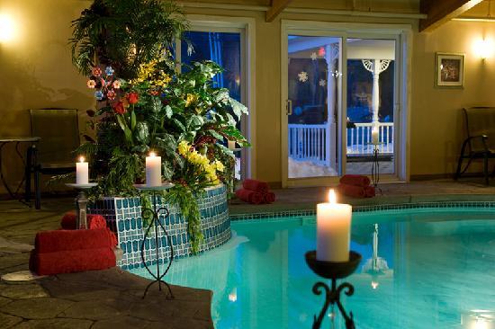 Snowflake Inn: Candlelit Tropical Indoor Spa