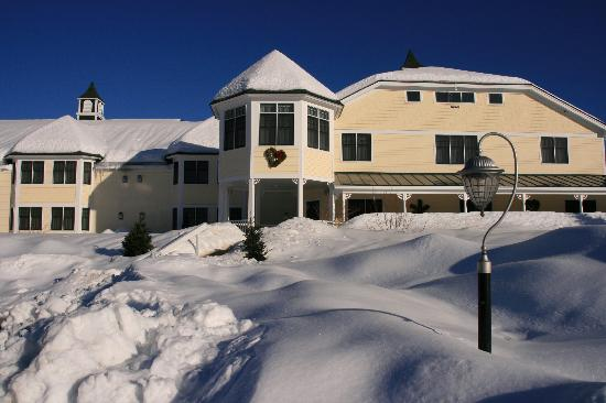 Snowy Winter at the Snowflake Inn