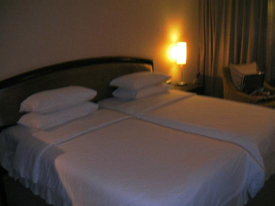 Lao Plaza Hotel: Beds and pillows both comfortable