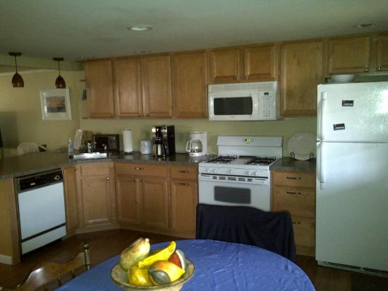 Brookins Inn and Suites: Fully equipped kitchen