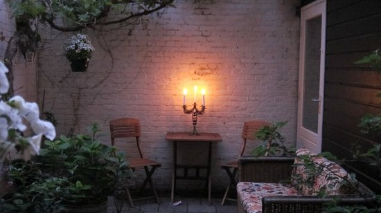 Wherels: Cozy little patio to unwind after a hard day of sightseeing
